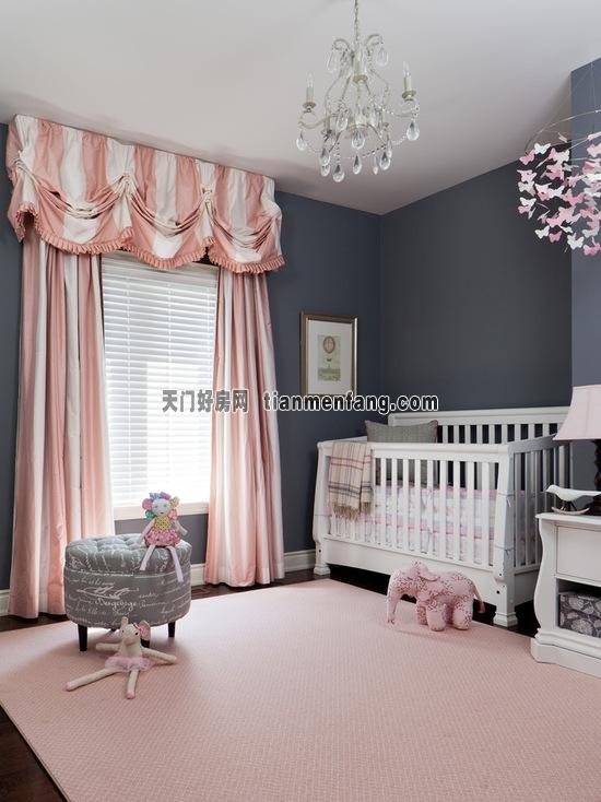 欧式落地窗帘或是水晶吊灯和纸艺蝴蝶都让这间儿童房